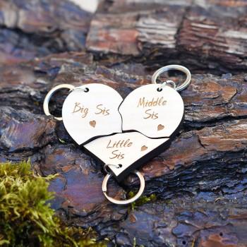 Ξύλινη καρδιά με 3 μπρελόκ