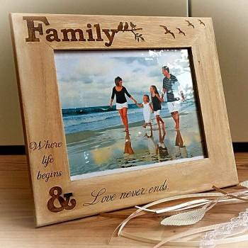 Ξύλινη κορνίζα Family