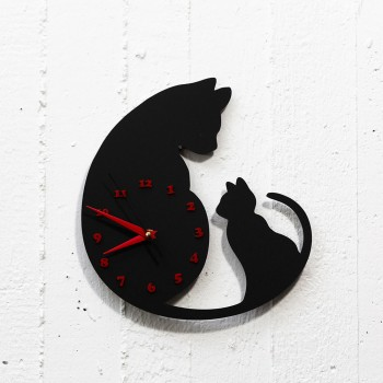 Clock The big and the small cat